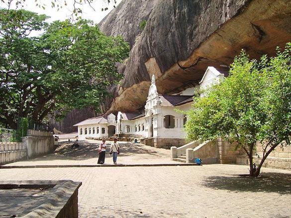 Буддийский храм. Остров Шри-Ланка фото