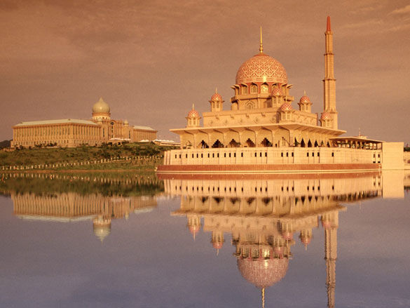 Мечеть Путра Куала-Лумпур фото. Малазия