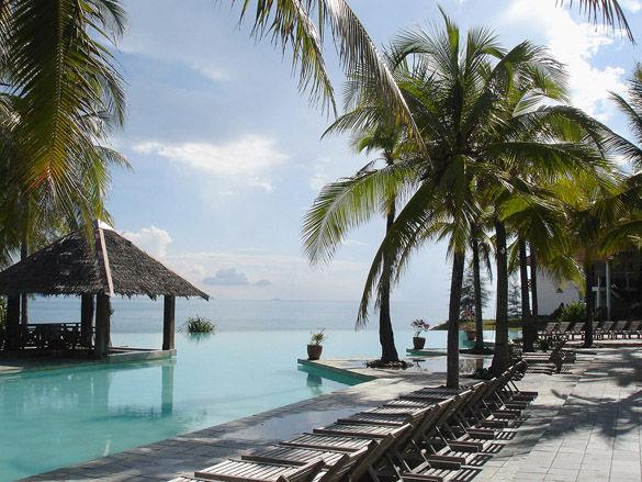 Отель на морском побережье фото
