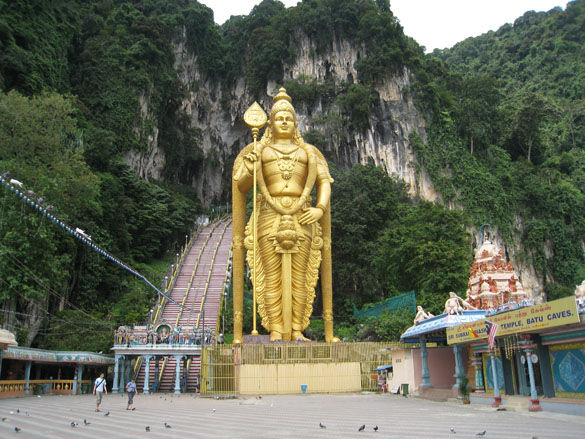 Статуя Муругана фото