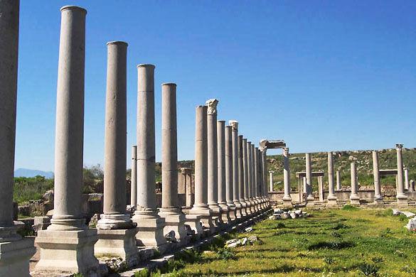 Руины города Перге фото