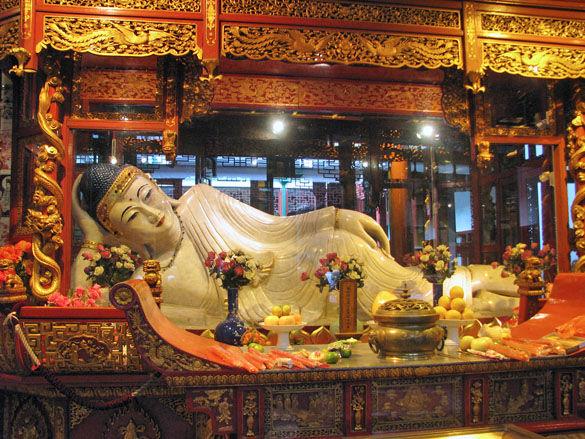 Храм Нефритового Будды фото