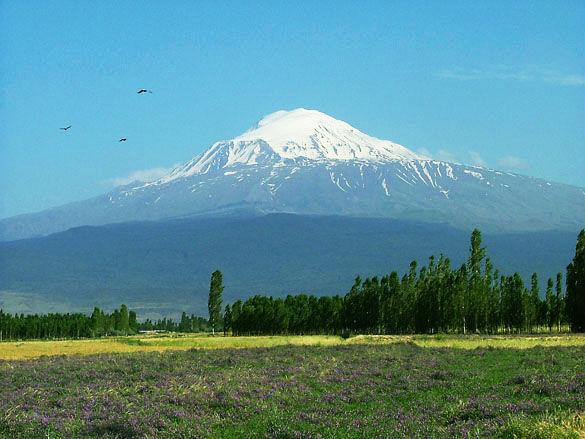 Гора Арарат фото. Армения