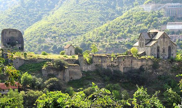 Древний монастырь в городе Алаверди