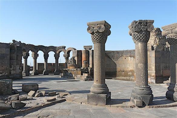 Храм Звартноц фото
